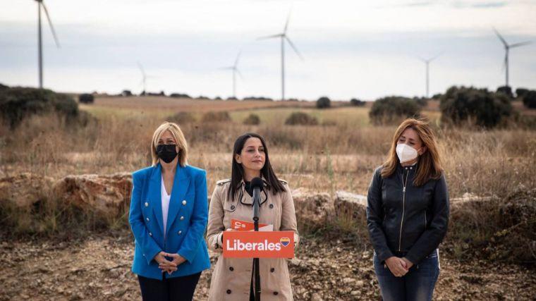 """Arrimadas: """"España tiene que ser una potencia mundial en energías renovables"""""""