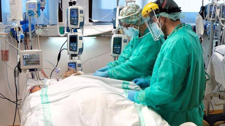 Fin de semana con cinco fallecidos por Covid en la región, que mantiene 79 ingresados
