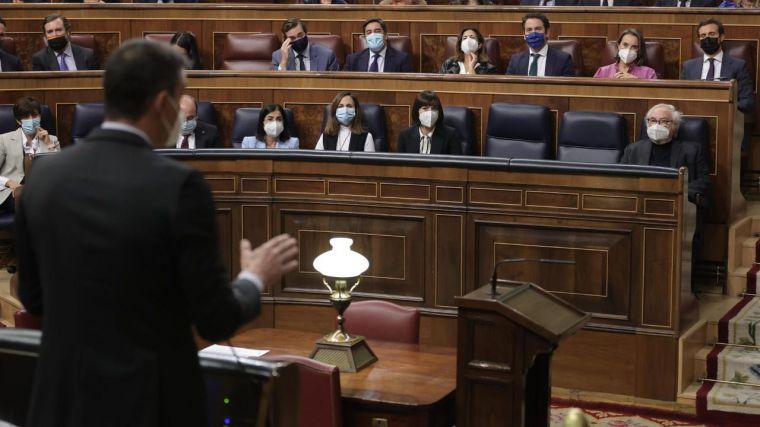 Sánchez, ante un aviso del PNV, promete aclarar el decreto eléctrico para no perjudicar a la industria