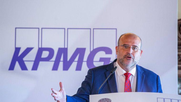 La Junta insta a empresas a tener preparados sus proyectos porque muchos fondos europeos llegarán por adjudicación directa