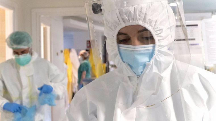 Continúa la reducción de hospitalizados por Covid en las UCIS de CLM, que registra 128 casos nuevos casos y dos fallecidos en las últimas 48 horas