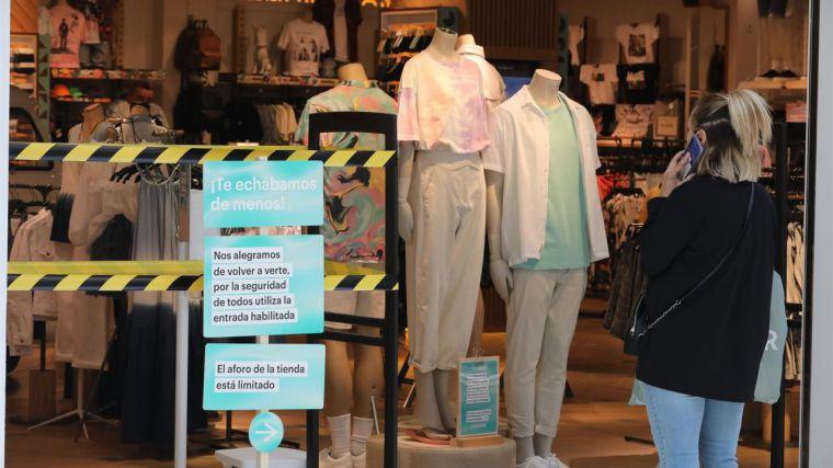 Las ventas de moda y textil han caído un 23% en lo que va de año y aún no han recuperado los niveles prepandemia