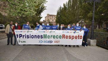 Una treintena de funcionarios de prisiones piden ante Marlaska su dimisión: 'Somos el patito feo del Ministerio'