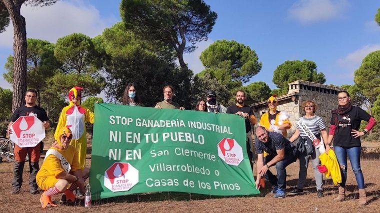 Más de 40.000 firmas rechazan la instalación de una macrogranja de casi 1,5 millones de gallinas entre Cuenca y Albacete