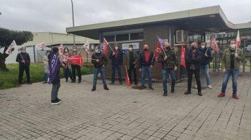 El comité de empresa de Lactalis-Nestlé convoca concentraciones este miércoles a las puertas de la fábrica en Marchamalo por su convenio colectivo