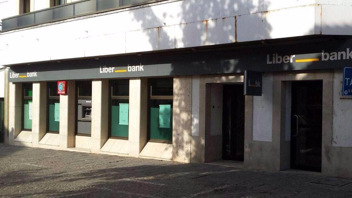 Liberbank quiere hacer desaparecer la marca banco de for Oficinas liberbank barcelona