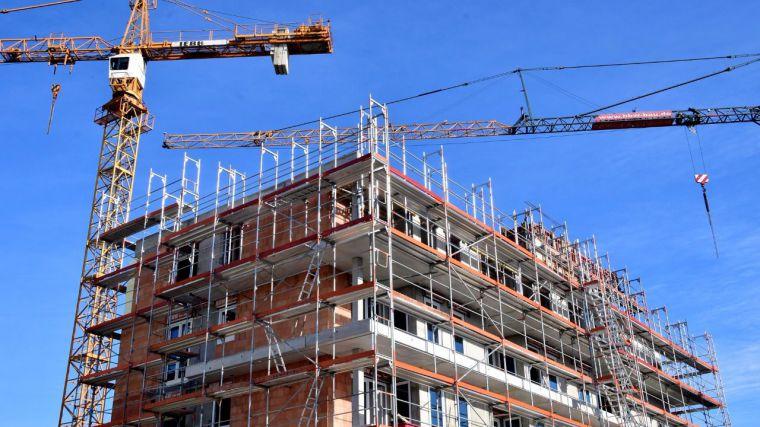 55.811 viviendas en stock y la falta de demanda mantienen paralizado el sector de la construcción en CLM