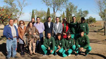 El taller de empleo de Almonacid de Toledo acondiciona los espacios verdes del municipio