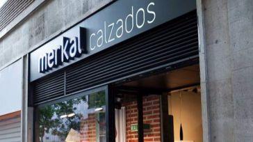La inminente venta de Merkal Calzados compromete a sus diez tiendas en la Región