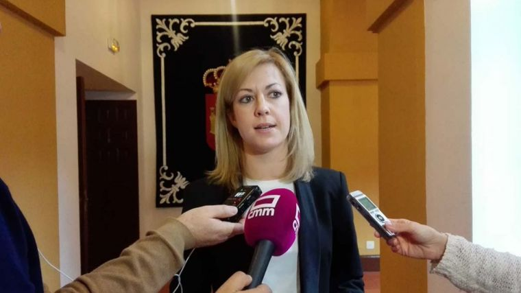Abengózar (PSOE) afirma que en noviembre los pacientes las listas de espera se habían reducido casi un 10 por ciento con respecto hace un año