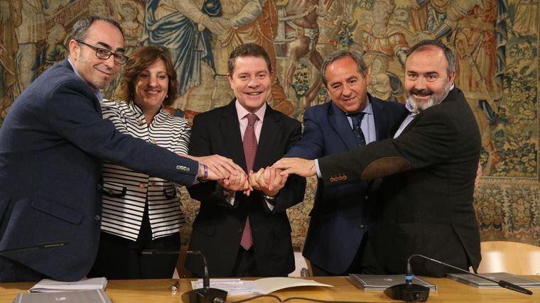 El gobierno regional llega a la negociación nacional sobre los programas de empleo con su propio acuerdo con los agentes sociales