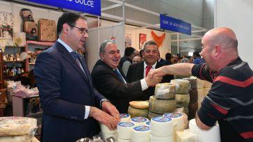 Tirado aboga por 'apoyar nuestra agricultura, ganadería y nuestra industria agroalimentaria como motor de desarrollo y empleo'