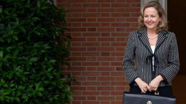 La ministra de Economía, Nadia Calviño, a su llegada a la primera reunión del Consejo de Ministros.