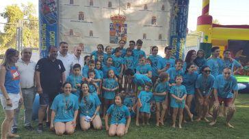 Albares acoge una exitosa fase local del Interpueblos de Natación coincidiendo con el 50 aniversario de su piscina municipal