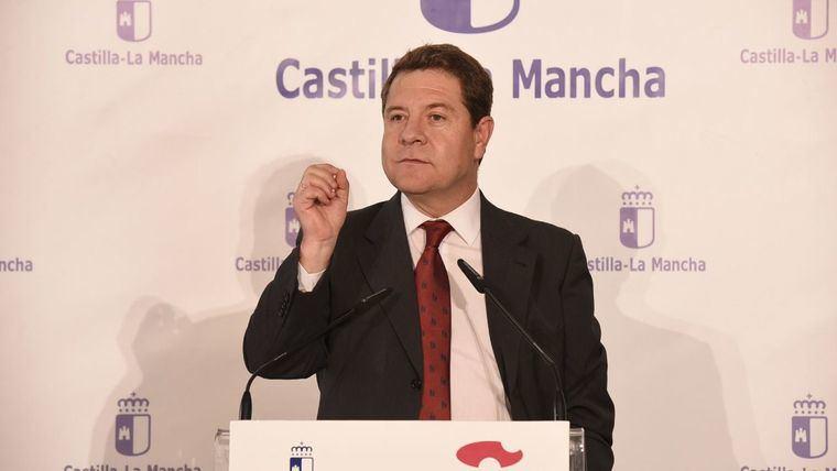 El presidente hace dejación de la defensa de Castilla-La Mancha y de una financiación justa