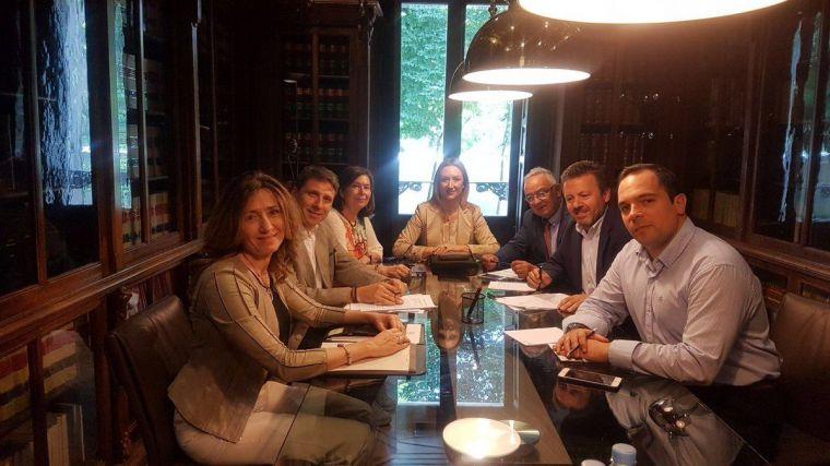 Los miembros de la Junta de Gobierno del Consejo de la Abogacía de Castilla-La Mancha en una foto de archivo.