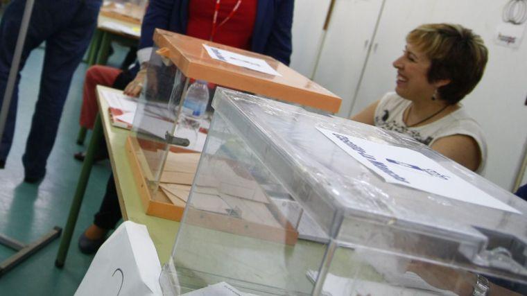 PP y PSOE, a la caza del 40% de los votos para garantizarse la Presidencia de la Junta en 2019