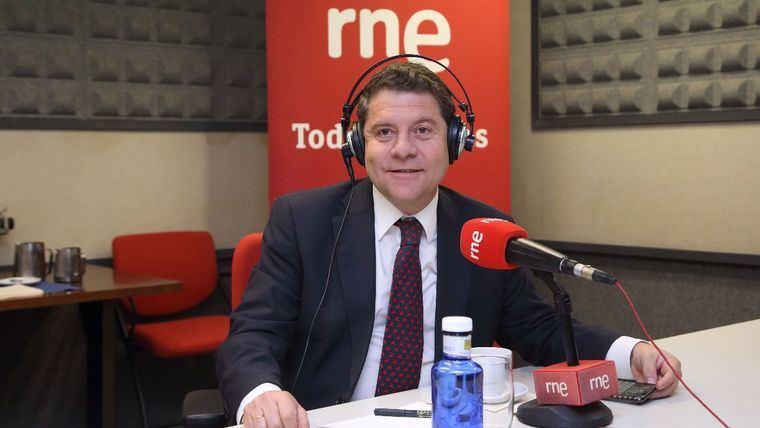 García-Page se entrevista con Sánchez después de marcarle la fecha del adelanto electoral