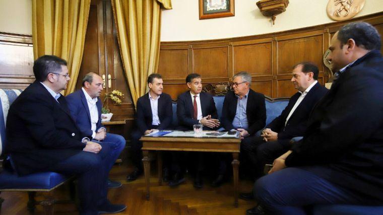 González Ramos anuncia que el tren híbrido tendrá parada en Hellín en el primer trimestre de 2019