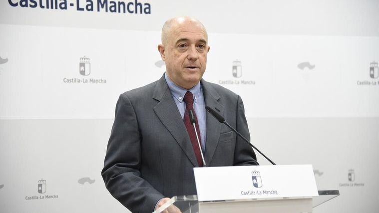 El viceconsejero de Empleo y Relaciones Laborales, Francisco Rueda, valora los datos del paro relativos al mes de octubre.