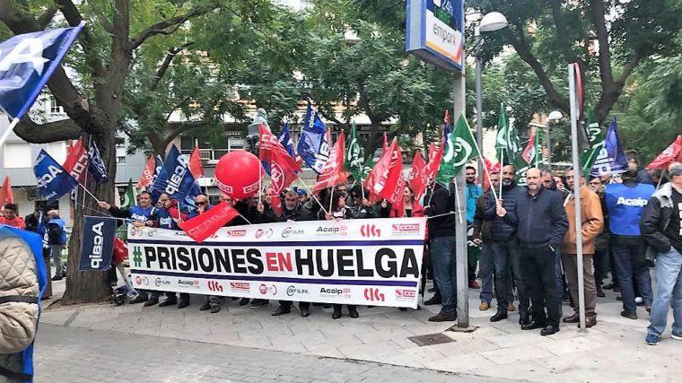 Más de 150 funcionarios de prisiones se concentran ante la subdelegacion del Gobierno en Ciudad Real