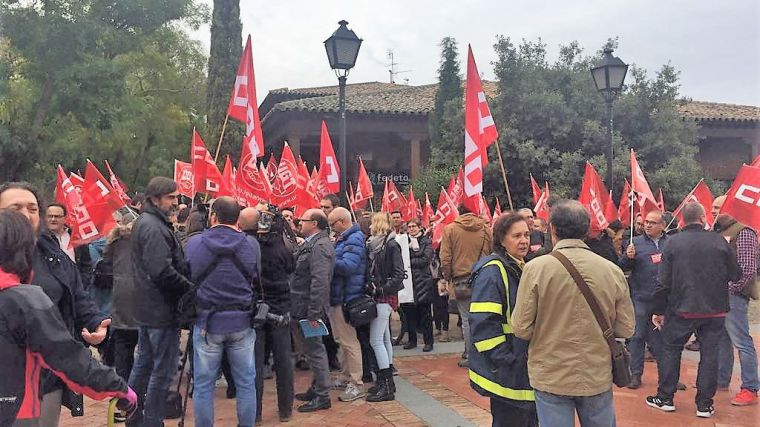 Víctimas y sindicatos se concentran frente a la sede de la patronal de Toledo para exigir medidas contra siniestralidad laboral