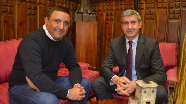 Álvaro Gutiérrez y el alcalde de Mejorada repasan los proyectos municipales apoyados por la Diputación