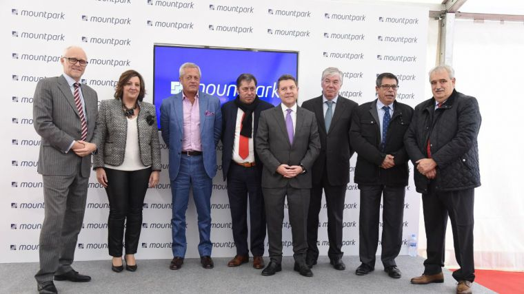 El presidente de Castilla-La Mancha, Emiliano García-Page, preside el acto de colocación de la primera piedra de la futura plataforma logística de e-commerce 'Central Iberum' que desarrollará la empresa Mountpark para XPO Logistics.