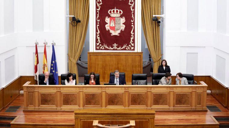 Las Cortes de Castilla-La Mancha aprueban una resolución en defensa de la Constitución Española con la abstención de Podemos