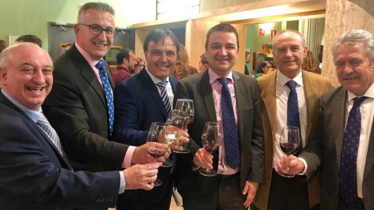 Globalcaja muestra su apoyo al sector vinícola en los premios solidarios de la D.O. La Mancha