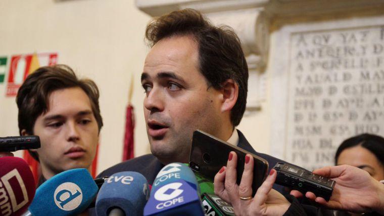 Núñez apuesta por seguir defendiendo nuestra Constitución para disfrutar de la paz y la convivencia que tenemos en Democracia