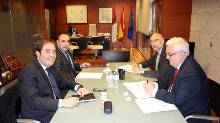 La Junta inicia reuniones con entidades financieras para solventar la situación de las personas afectadas por el caso iDental