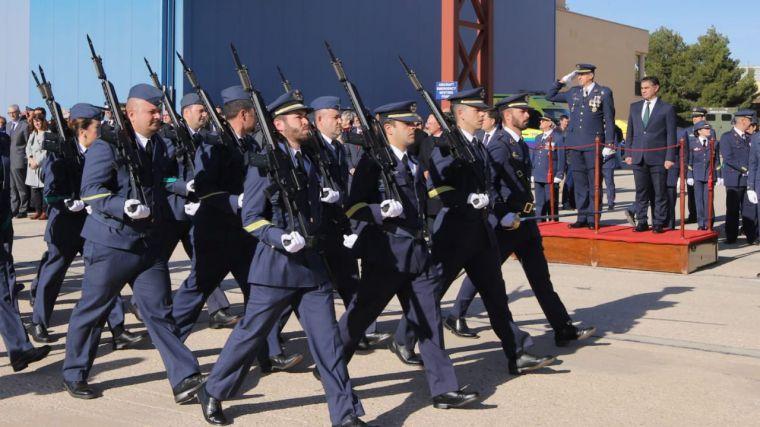 González Ramos destaca la labor de las Fuerzas Armadas en los actos de la patrona de la Aviación en la Base Aérea de Los Llanos