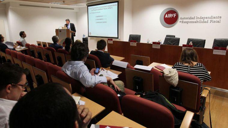 """Previsiones de la AIReF: """"Es muy improbable que CLM cumpla los objetivos de déficit y de regla de gasto"""""""