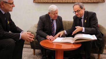 Torra en una reunión con el ex presidente de Eslovenia, Milos Kucan.