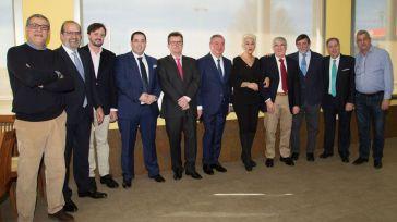 La Asociación Provincial de Estaciones de Servicio de Ciudad Real rinde homenaje a dos de sus miembros de mayor recorrido