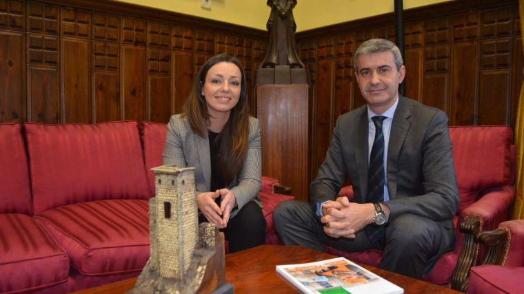 Álvaro Gutiérrez recibe a responsables de la empresa Mercadona en Toledo