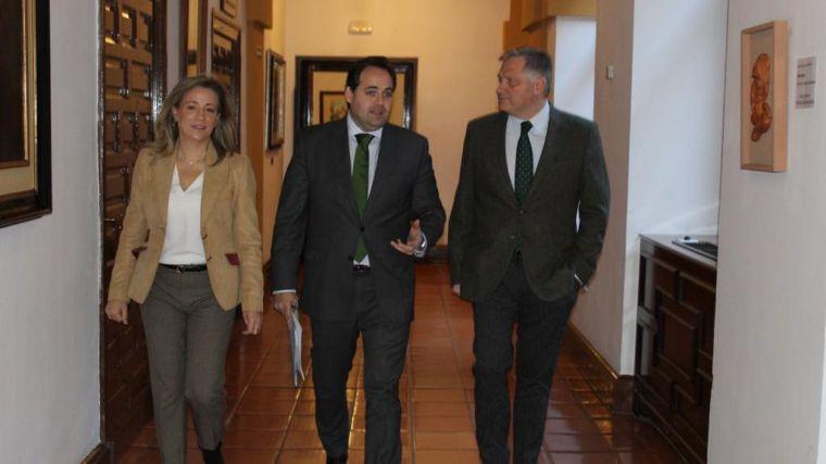 El presidente del PP-CLM registra la modificación de la Ley de Caza de Castilla-La Mancha