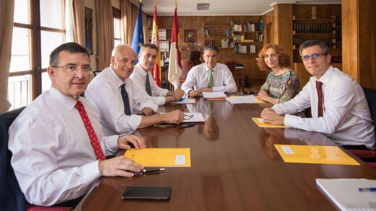 """El delegado del Gobierno destaca que el Presupuesto de Pedro Sánchez """"prioriza a las personas"""" y destina el 57% a políticas sociales"""