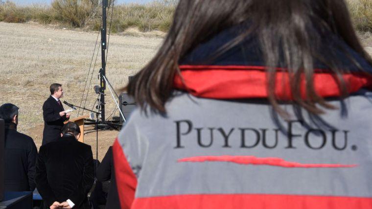 """Acto de colocación de la primera piedra del futuro parque temático """"Puy du Fou España"""" el pasado 16 de enero."""