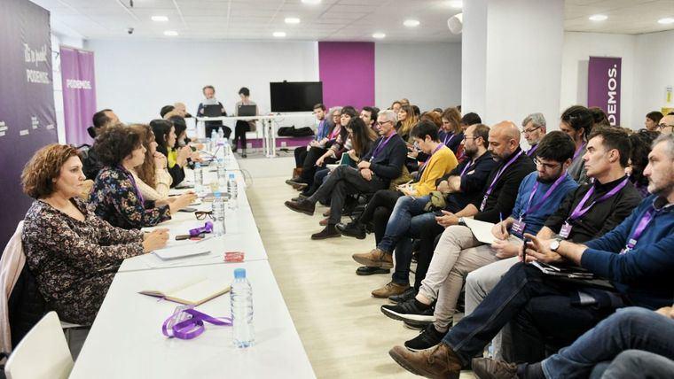 Del republicanismo de Podemos a la reina regente