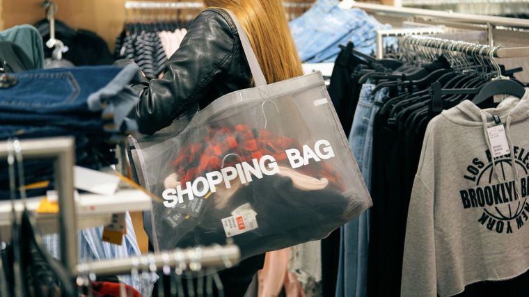 El comercio minorista retorna a la destrucción de empleo, a pesar del incremento de las ventas