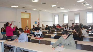 80 estudiantes de Bachillerato disputan la XIV Olimpiada Regional de Biología en las facultades de Medicina de la UCLM