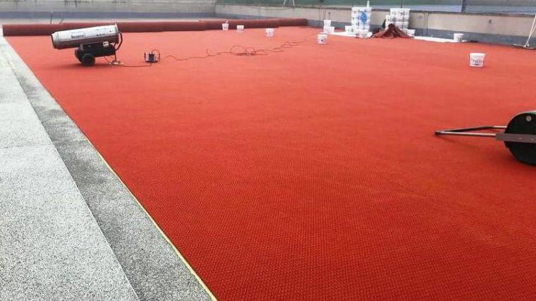 El Ayuntamiento de Seseña inaugura la primera pista de tenis de tierra batida