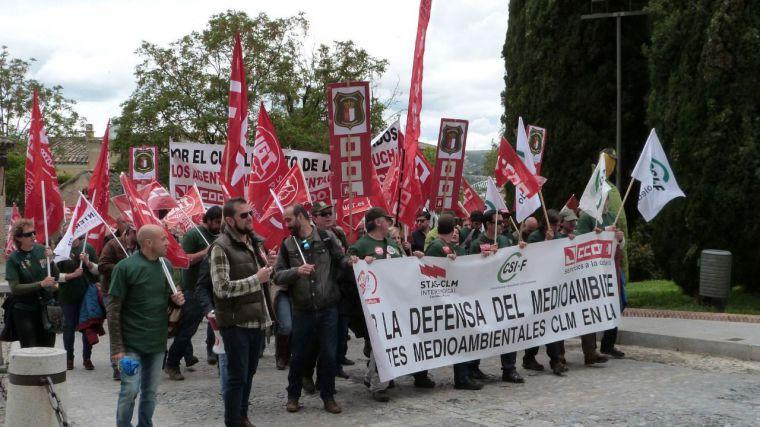 Agentes medioambientales de toda CLM se manifiestan en Toledo para exigir a Page que cumpla sus compromisos con el colectivo