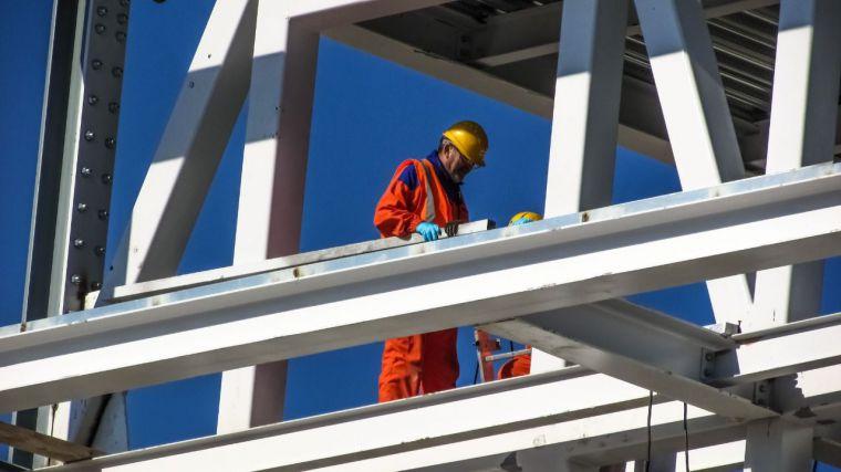 En febrero, agricultura y servicios destruyeron empleo en CLM y construcción e industria lo crearon