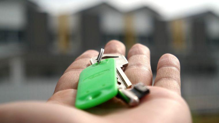 La compraventa de vivienda en la región remontó en enero