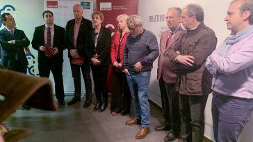 La exposición 'Objetivo Nazareno' ha abierto sus puertas a la escultura enmarcada en el Aula Cultural 'Globalcaja'