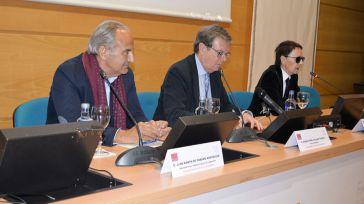 El presidente de la Comisión Española de Ayuda al Refugiado cuestiona en la UCLM la respuesta europea al drama de la inmigración