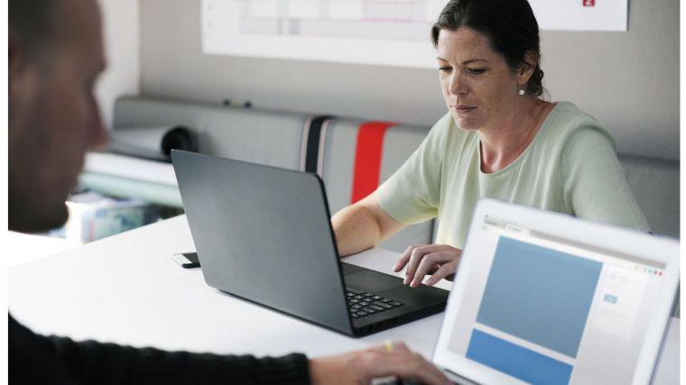La difícil tarea de encontrar empleo en CLM con más de 45 años… Especialmente si eres mujer